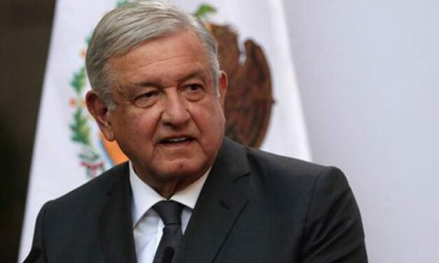 López Obrador se encuentra bien y dirigiendo a México