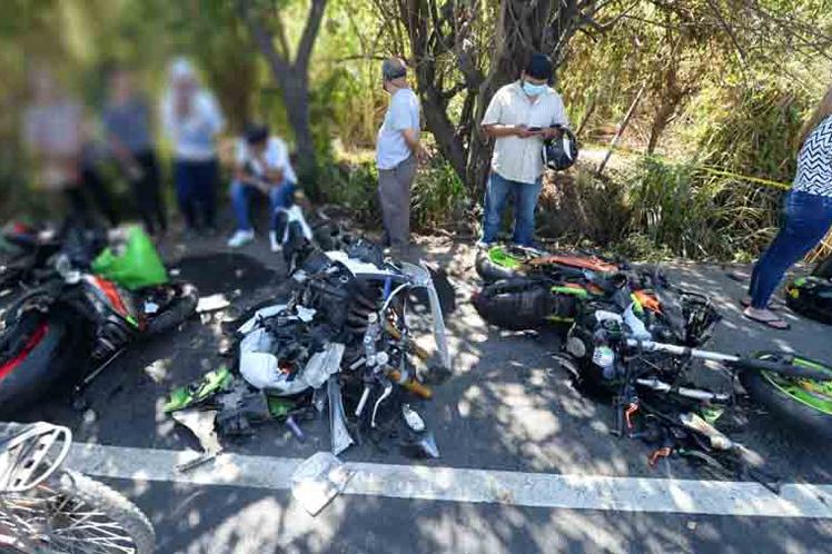 Dos muertos en accidente de caravana en El Salvador