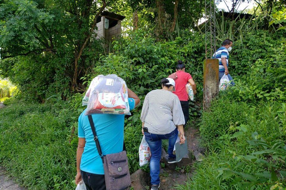 Alcaldía de Tejutla entrega víveres a habitantes del municipio