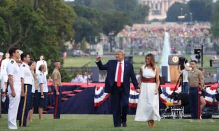 """Trump reclama """"unidad"""" en un Día de la Independencia atípico"""
